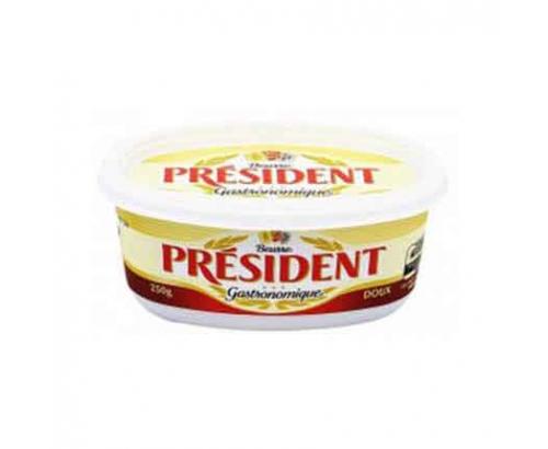 Краве масло Президент 250г Кутия